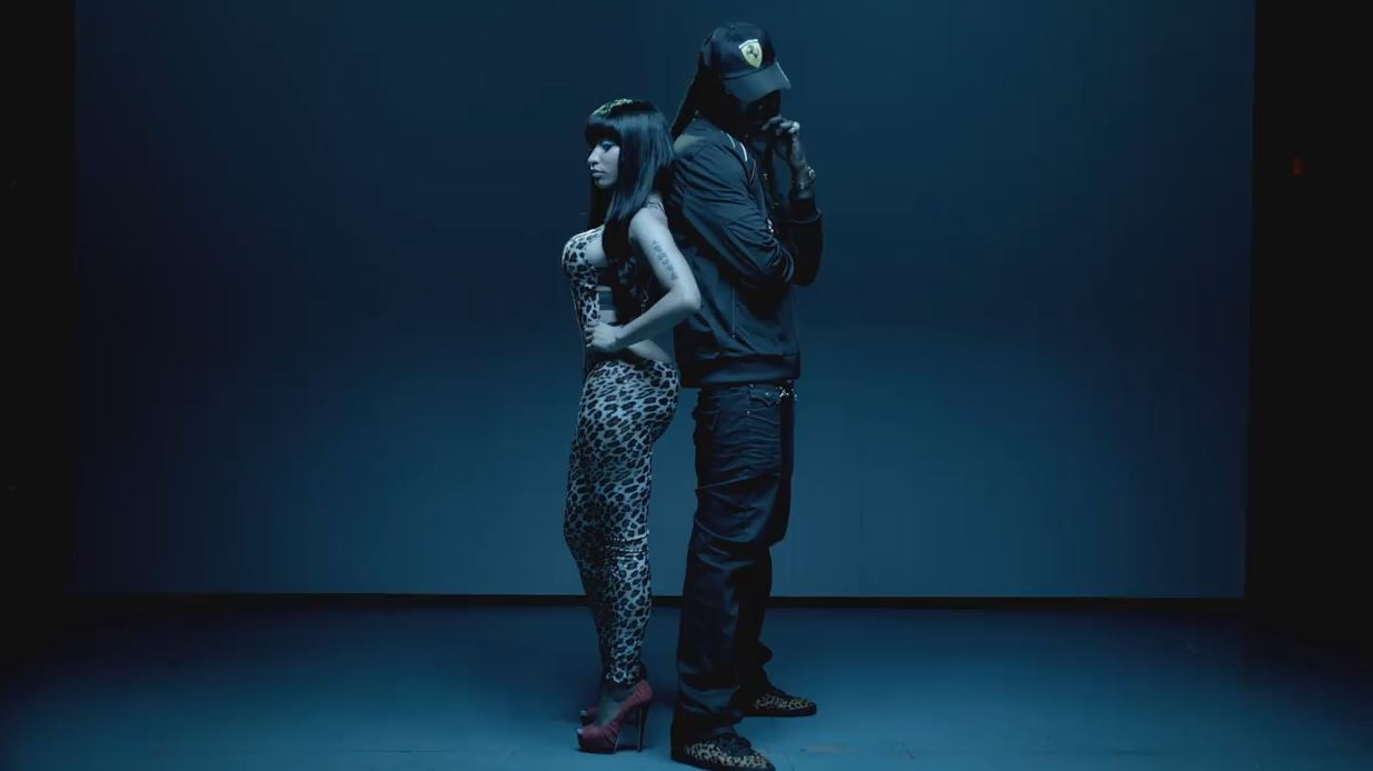 Nicki Minaj - Beez In The Trap ft. 2 Chainz