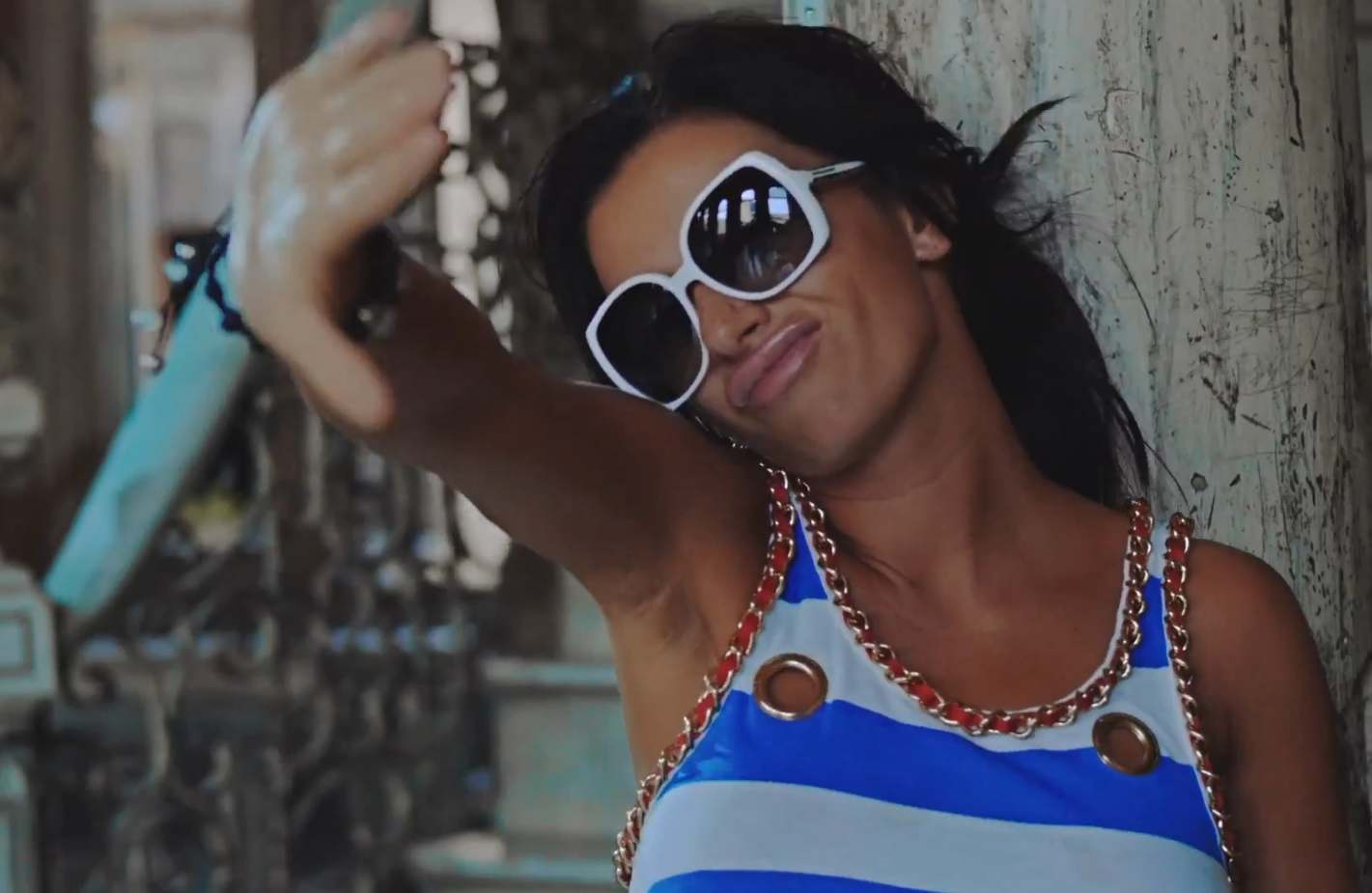 Julia Volkova – Didn't Wanna Do It