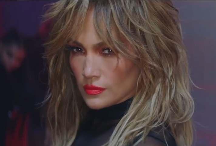 Jennifer Lopez & Maluma – Pa Ti + Lonely